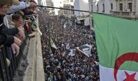 لوفيغارو: في الجزائر الكُل خاسر والرئيس الجديد سيكون واجهة للجيش