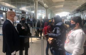 اجلاء 308 مواطنين عراقيين من عمان الى بلادهم