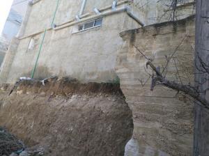 انهيار سور مدرسة في ذيبان