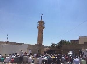 مصلون يعتدون على خطيب الجمعة في اربد