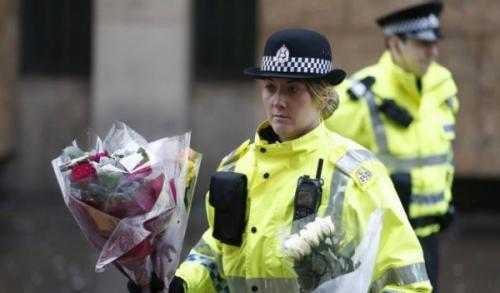 شرطة أسكتلندا تعتمد الحجاب أحد خيارات زيّها