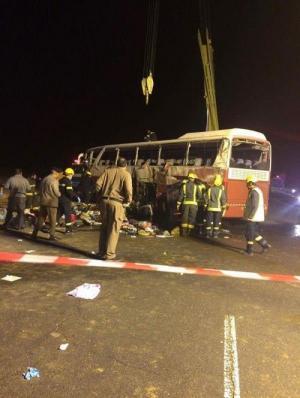 6 وفيات و31 اصابة حصيلة انقلاب حافلة معتمريين اردنيين في تبوك (صور واسماء)