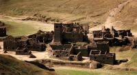 """""""قرية أشباح"""" من القرون الوسطى مغمورة تحت المياه تطفو إلى السطح"""