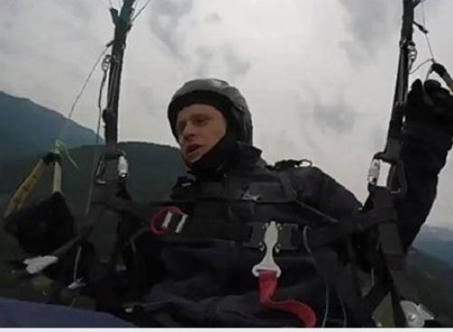 مظلي يصور لحظة وفاته المأساوية (فيديو)