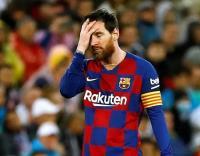 لاعبو برشلونة يخفضون رواتبهم 70%
