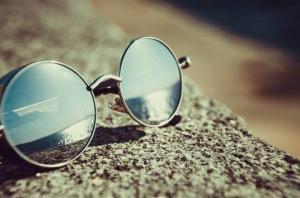 النظارات الشمسية الرديئة تدمر شبكية العين