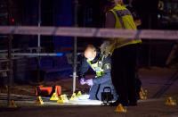 مقتل 3 أشخاص في هجوم مسلح قرب مقهى للإنترنت بالسويد