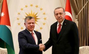 الملك يهنىء أردوغان