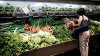 لماذا يتسابق الأمريكيون إلى تخزين الطعام؟
