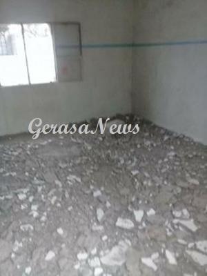 العقبة  ..  العناية الإلهية تنقذ عائلة سقط سقف منزلها بالقويرة (صور)