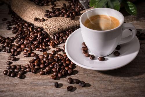 هل تطيل القهوة العمر؟