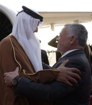أمير قطر يصل المملكة (فيديو وصور)
