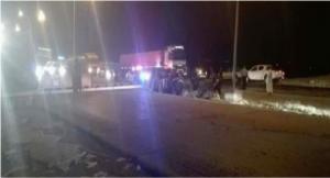 """وفاة 4 اشخاص بتصادم باص وشاحنة على """"الصحراوي"""""""