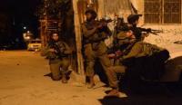 الإحتلال يعتقل 16 فلسطينيا خلال مداهمات