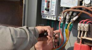الحكومة توافق على تغليظ عقوبة سارقي الكهرباء