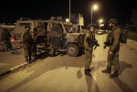 الاحتلال يقتحم أحياء في رام الله ويعتقل القيادين في حماس
