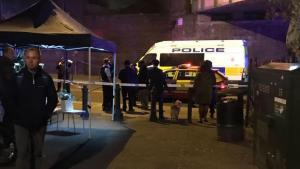 مقتل شخص و جرح اثنين آخرين بحادثة طعن في لندن