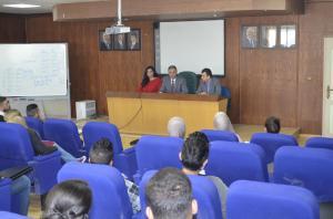 عميد كلية الأعمال في جامعة عمان الأهلية يلتقي بالطلبة المستجدين