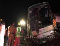 وفاة واصابات بحادث لحافلة معتمرين اردنيين بالسعودية