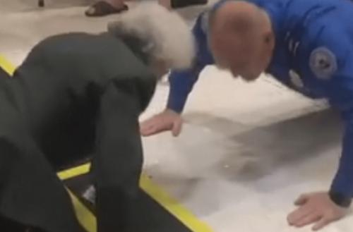 عجوز عمرها 86 عاما تمارس تمارين الضغط بقوة (فيديو)