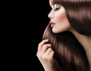 كيف تحافظين على نظافة شعرك من دون غسله؟