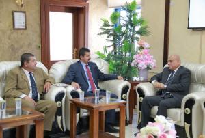 أمين عام وزارة الشباب يزور جامعة الزرقاء
