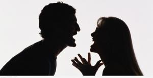 رجل يرصد مكافأة لمن يساعده على تطليق زوجته !