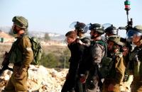 الاحتلال يعتقل 14 فلسطينيا في الضفة الغربية