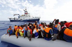اختفاء سفينة على متنها 45 لاجئا قرب اليونان